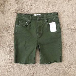 Free People Green Knee Length Shorts Size 26